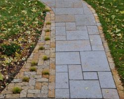 Rustic Gold Patterned Walkway Lannon Stone Cobble Accent Whitefish Bay WI  3