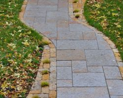 Rustic Gold Patterned Walkway Lannon Stone Cobble Accent Whitefish Bay WI  5