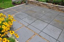 Milwaukee WI Bluestone Patio Custom Pattern Modern Patio Close Up Halquist Stone