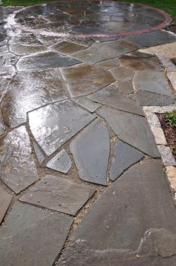 Grafton  WI   Irregular Bluestone Patio   Red Clay Brick   Circle Inlay   Lannon Cobbles