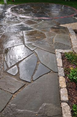 Grafton  WI   Irregular Bluestone Patio   Red Clay Brick   Circle Inlay   Lannon Cobbles 2